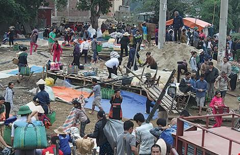 Chợ phiên độc đáo dọc sông Ðà - 3