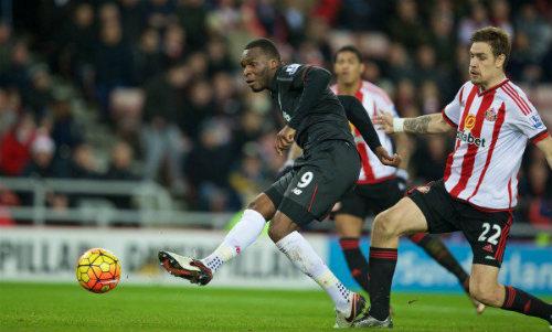 Liverpool – Sunderland: Buồn ngủ gặp chiếu manh - 2