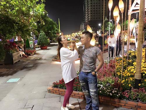 Facebook sao 6/2: Trấn Thành 'thề' yêu thật Hari Won - 6