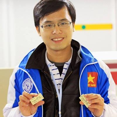 """Thủ khoa """"kép"""" Đàm Nguyễn Trọng Nhân - 1"""