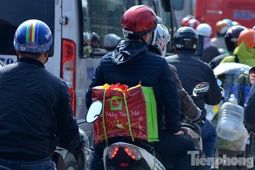 HN: Ùn tắc kinh hoàng trên đường Giải Phóng ngày 28 Tết - 12