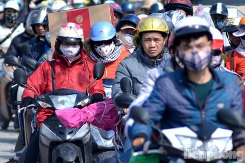 HN: Ùn tắc kinh hoàng trên đường Giải Phóng ngày 28 Tết - 13