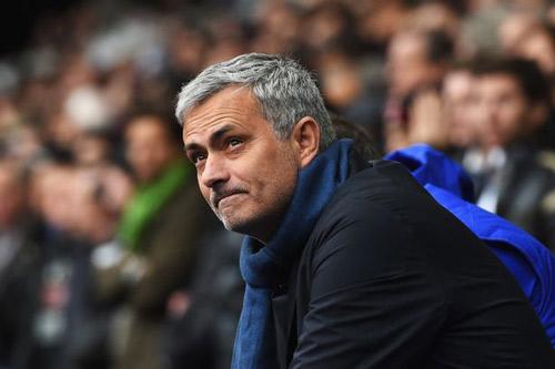 Mourinho bị đồn đến MU, Van Gaal khó chịu ra mặt - 2