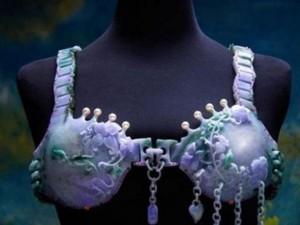 Chiêm ngưỡng chiếc áo lót làm từ 223 viên đá quý
