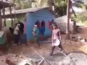 Video clip: Các anh phối hợp chất quá
