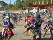 """Thể thao dị: """"Giáp lá cà"""" đấu kiếm kiểu trung cổ"""