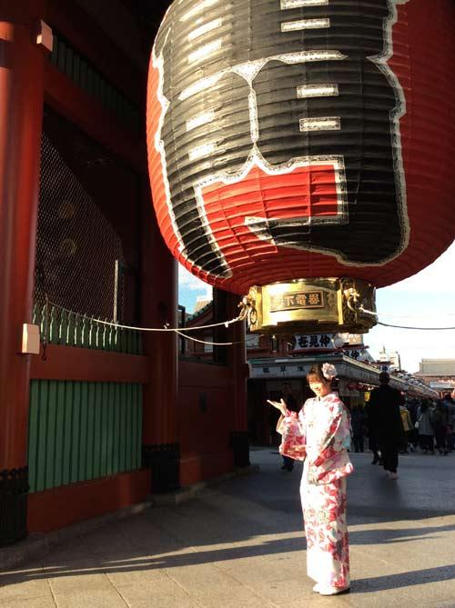 """Người đẹp Wushu Thúy Vi """"khoe"""" chuyến chơi Tết ở Nhật - 2"""