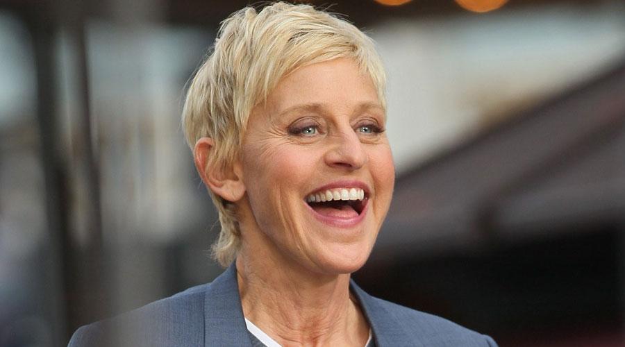 Top 10 cô nàng 'nhìn là cười' làng giải trí thế giới - 4