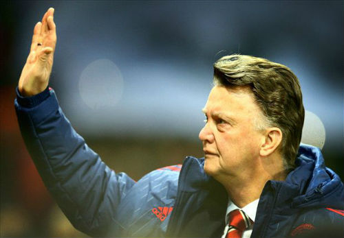 Mourinho bị đồn đến MU, Van Gaal khó chịu ra mặt - 1