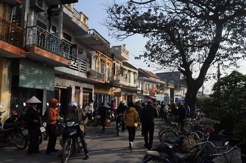 Đi chợ phiên Đông Biên lớn nhất cuối cùng trong năm - 1