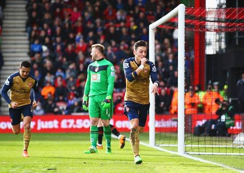"Arsenal thắng trở lại, Wenger đòi ""xử"" Leicester - 1"