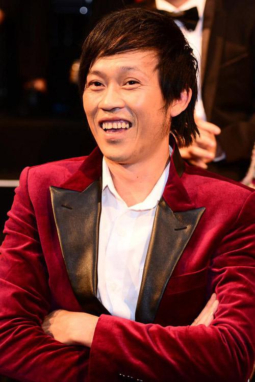 Danh hài Hoài Linh kiếm tiền 'khủng' nhất năm 2015 - 1