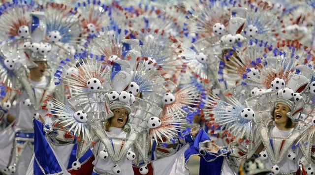 Bất chấp virus Zika, Brazil tổ chức carnival hoành tráng - 1