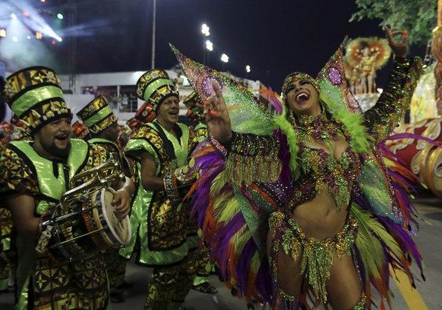 Bất chấp virus Zika, Brazil tổ chức carnival hoành tráng - 4