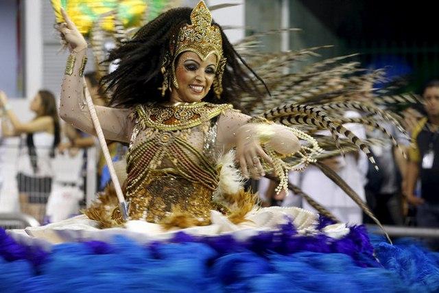Bất chấp virus Zika, Brazil tổ chức carnival hoành tráng - 6