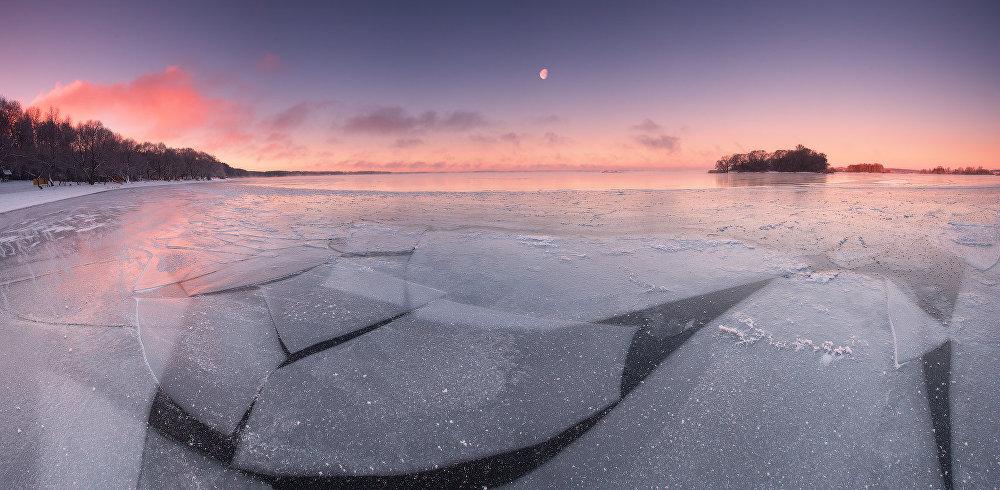 Ảnh: Cảnh tượng mùa đông đẹp như mơ ở Belarus - 4