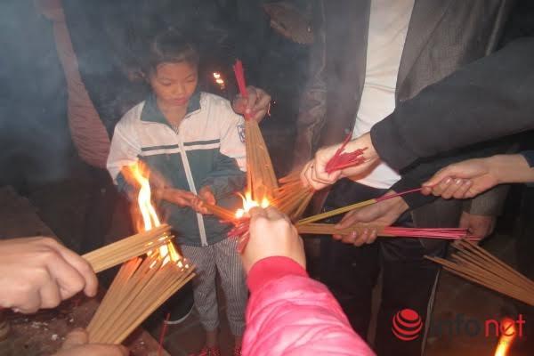 Về nơi nô nức đi xin lửa lấy may đêm giao thừa - 4