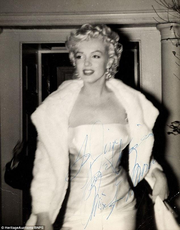 Fan cuồng tiết lộ bộ ảnh của nữ hoàng sexy Marilyn Monroe - 1