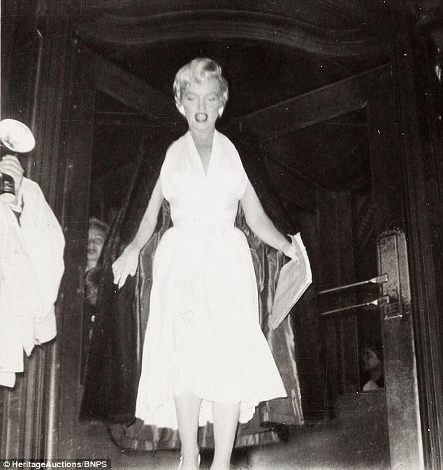 Fan cuồng tiết lộ bộ ảnh của nữ hoàng sexy Marilyn Monroe - 2