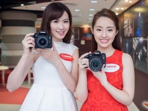 Dàn mẫu nữ xinh đẹp bên máy ảnh EOS 760D