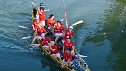 Bình Định: Sôi nổi lễ hội đua thuyền - 1