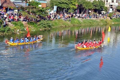 Bình Định: Sôi nổi lễ hội đua thuyền - 10
