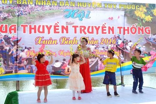 Bình Định: Sôi nổi lễ hội đua thuyền - 3
