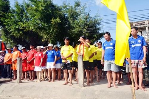 Bình Định: Sôi nổi lễ hội đua thuyền - 4
