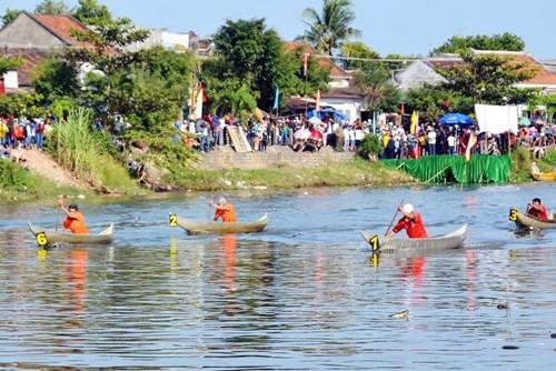 Bình Định: Sôi nổi lễ hội đua thuyền - 6