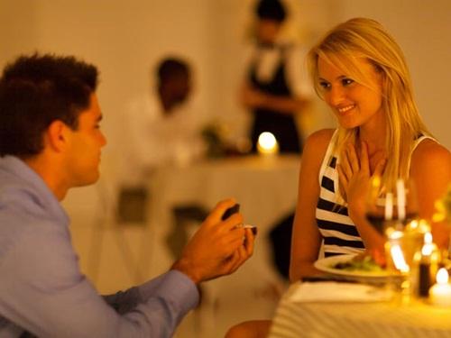 """8 ý tưởng giúp bạn """"chắc thắng"""" khi cầu hôn ngày Valentine - 1"""