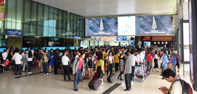 Hết 3 ngày Tết, người dân ùn ùn trở lại Sài Gòn - 2