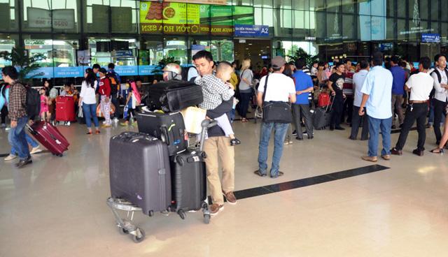 Hết 3 ngày Tết, người dân ùn ùn trở lại Sài Gòn - 7