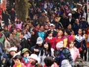 Tin tức trong ngày - Chùa Hương chưa khai hội, du khách đã chen chân