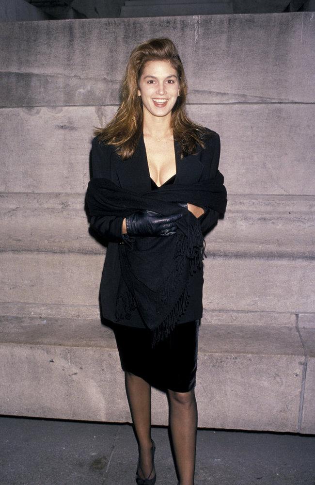 Phong cách sexy vượt thời gian của Cindy Crawford - 2