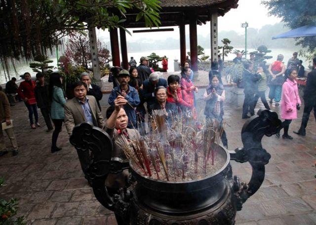 Những nhận thức sai lầm khi đi lễ chùa đầu năm - 2