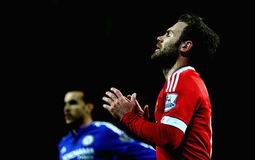 Góc châm biếm: Mata cầu nguyện Mourinho đừng về MU - 1