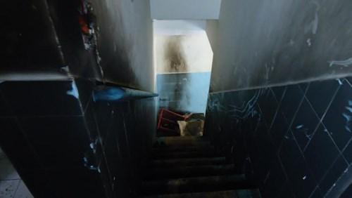 Tẩm xăng phóng hỏa đốt nhà lúc nửa đêm - 2