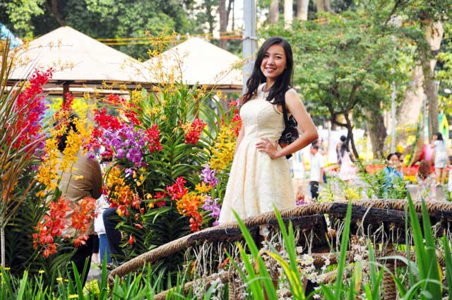 Ngày nghỉ cuối, người Sài Gòn đắm mình trong sắc hoa xuân - 12