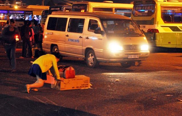 Kỳ lạ người dân ùn ùn đổ về TPHCM nhưng không tắc đường - 12