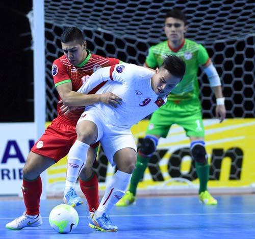 Thắng Tajikistan 8-1, tuyển futsal Việt Nam vào tứ kết châu Á - 1