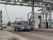 Tin tức trong ngày - Trạm thu phí cao tốc phải mở cửa miễn phí nếu ùn tắc