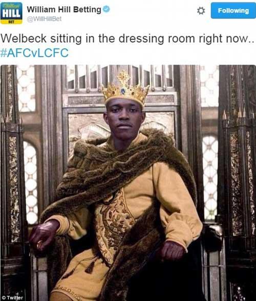 """Ghi bàn phút 90+5, Welbeck được phong """"vương"""" - 4"""