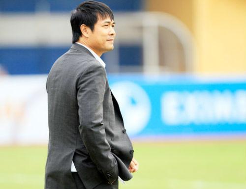 HLV Hữu Thắng không nhận lương 200 triệu đồng/tháng - 1