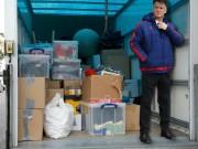 Bóng đá - Thuê nhà tạm bợ, Van Gaal chờ bị MU sa thải?
