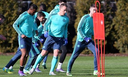 """""""Tơ tưởng"""" PSG, Hazard bị HLV Hiddink cảnh báo - 2"""