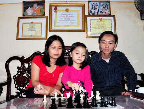 Cẩm Hiền - Cô bé ngủ mơ cũng... chơi cờ - 2