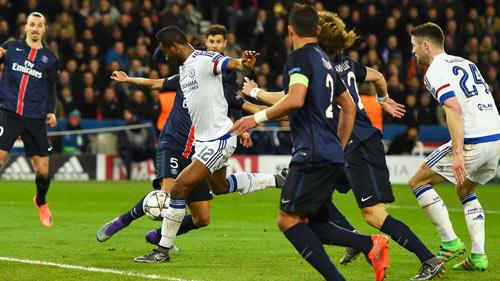 Hiddink tin Chelsea đủ khả năng lật ngược thế cờ - 1