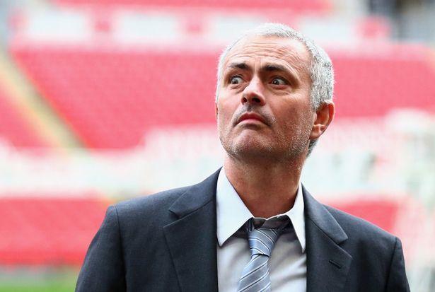 """Giggs """"tuyên chiến"""" Mourinho, không chịu làm kép phụ - 2"""