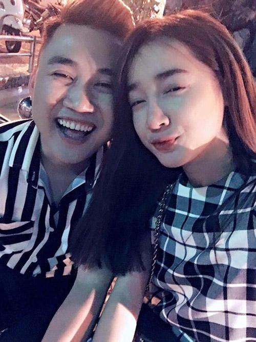Facebook sao 17/2: Hà Hồ bị ví với 'thảm họa showbiz' - 4