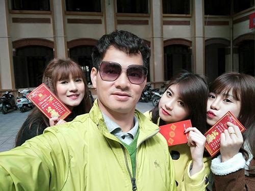 Facebook sao 17/2: Hà Hồ bị ví với 'thảm họa showbiz' - 10